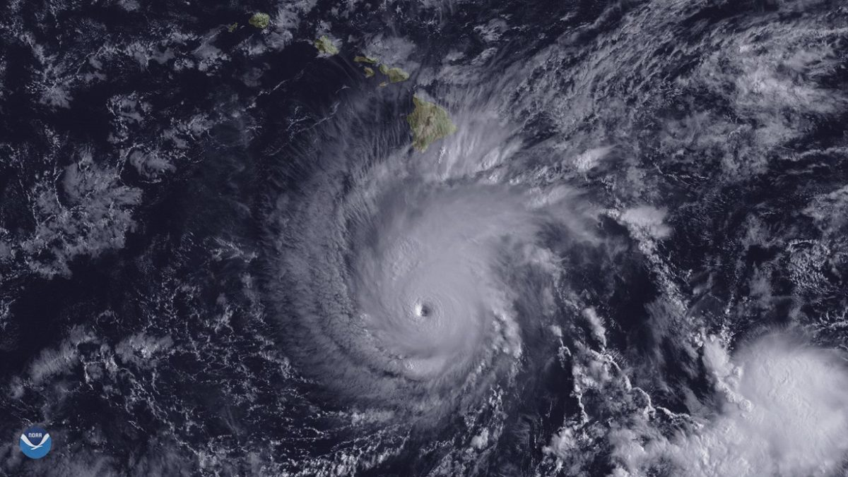 Satellite image of Hurricane Lane approaching Hawaii's Big Island